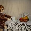 Йёста пьет чай